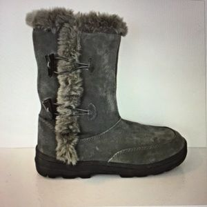 White mountain gray suede faux fur boots F71